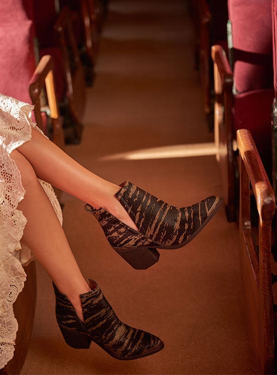 1e3ee4d82 Las botas y botines que no pueden faltar en tu clóset este otoño ...